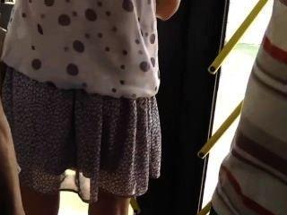 التجسس على فتاة الساخنة في الحافلة