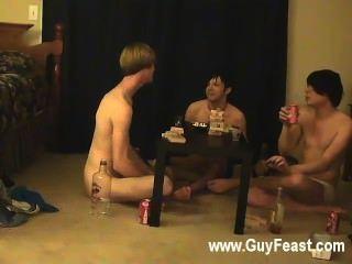 مثلي الجنس أثر الفيديو ويليام الحصول على جنبا إلى جنب مع صديق في الآونة الأخيرة
