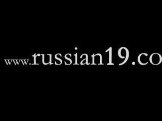طفلتين الروسية في الهواء الطلق عارية