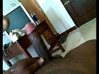 الهندي فتاة في سن المراهقة المصات الديك ويحصل اصابع الاتهام