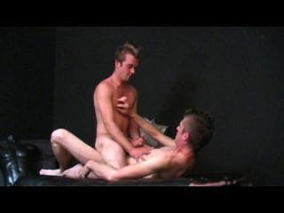 توجه إلى الشرج مشهد الجنس 1