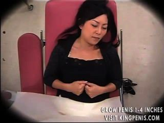 امرأة خدعت طبيب نسائي