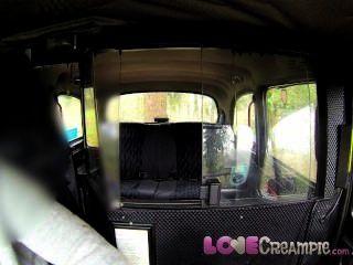 الحب وقحة البريطانية CREAMPIE يعطي وهمية سائق سيارة أجرة اللسان عميق قبل الشرج