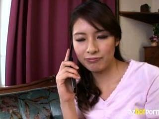 سيدة جميلة الآسيوية طويل القامة هو قرنية جدا