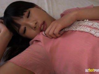 الآسيوية في سن المراهقة مع الثدي الصغيرة يحصل CREAMPIE