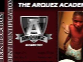 مرحبا بكم في أكاديمية arquez جديدة، حيث يمكنك التصويت لنجمة أفلام إباحية القادمة