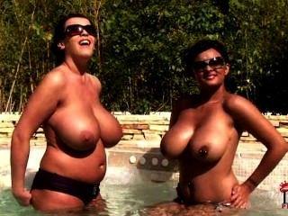 حمامات الشمس godesses حلمة الثدي!