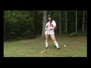 ممارسة لعبة البيسبول متعة