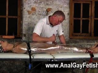 وكان فيلم مثلي الجنس من سيباستيان الرجال كبح لوقا على الطاولة بعد