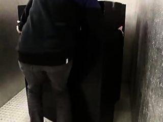 جبهة مورو مع الحمار كبير يمسح في 69 الحصول على بوسها مارس الجنس نائب الرئيس لالثدي على