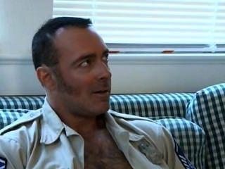 السبت الجنس جندي بابا، شرطي الساخنة وشابا