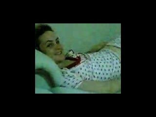 العربية فتاة الترك تظهر العورة أمام أصدقاء