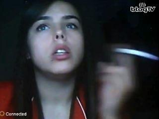 في سن المراهقة التركية التدخين صنم (غير عارية)