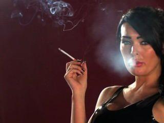 أتويل تشارلي التدخين
