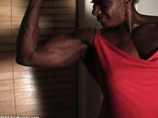 قياس العضله ذات الرأسين خشب الأبنوس