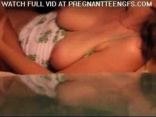 تحصل مارس الجنس فرنك غيني حاملا في المنزل من قبل صديقها