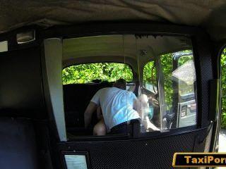 زوجة غير الملباة اشتعلت سائق سيارة أجرة سخيف على كام الأمن