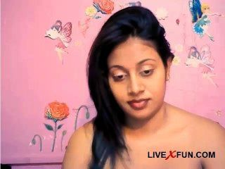 الهندي فتاة خجولة الكاميرا الحية مستعدة متعة الجنس