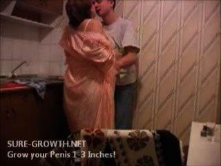BBW الجدة الملاعين الصبي من باب القادم