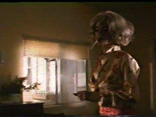 لارا فلين بويل باتت بيضاء طويلة