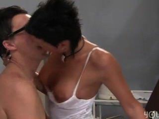 سانيا الساخنة الملاعين مع طبيبه الألمانية