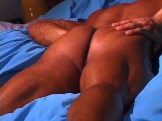 الساخنة شرائط الرجل العضلات والهزات قبالة