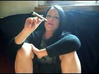 تدخين السيجار الساخن