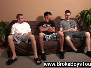 مثلي الجنس الاباحية احترس من هؤلاء الرجال في المجيء