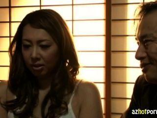 تزوج امرأة آسيوية التعرض المتشددين
