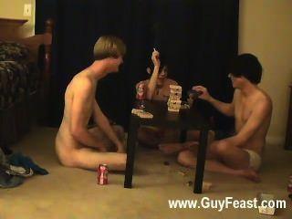 أثر مثلي الجنس الساخن ويليام الحصول على جنبا إلى جنب مع الأصدقاء من جديد أوستن ل