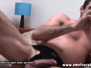 يترك اشلي شعر على أحذية عالية في الركبة بينما كان يلعب مع ألعابه الجنس