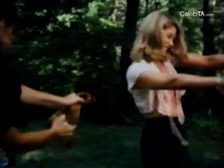 غلوريا ابسون ونينا كارسون وكاري أولسون في الكرز ارتفاع التل