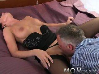 أمي قرنية أفضل الجنس