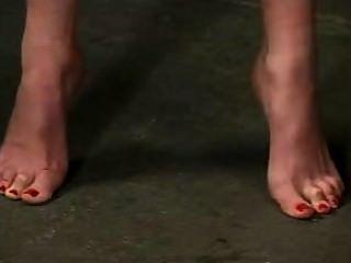 التعذيب القدم