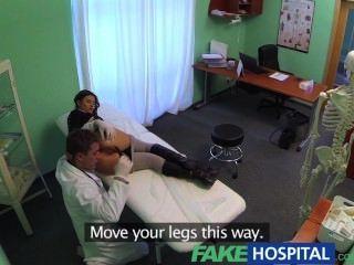 fakehospital الكمال المريض ضئيلة مفلس يحب علاج الأطباء الديك
