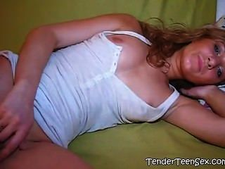 كارينا يحب الطريقة التي أصابع بوسها copypasteads.com
