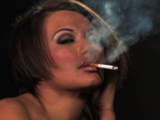 بيكي يدخن الرابع