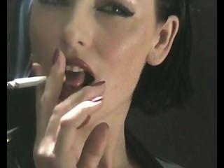 التدخين مثير في اللاتكس