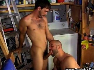 رجال عراة ديفيد يحب رجاله رجولية!