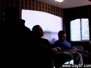 الرجال المثليين هذا هو اليوم العادي بالنسبة لنا، وهو رف كامل من الأولاد مجنون على التوالي
