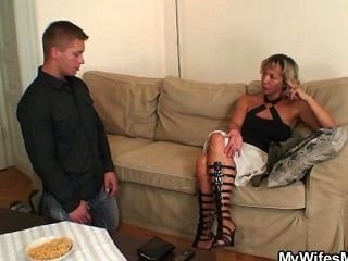 زوجة يكتشف انه هو الغشاش!