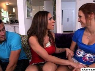 كايلي STEPMOM يقبض عليه ممارسة الجنس مع صديقها sashas