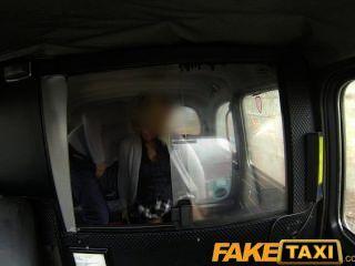 faketaxi شقراء جبهة مورو الملاعين سائق سيارة أجرة في المقعد الخلفي