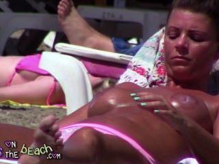 الثدي وهمية كبير على tindering استجوابي وفرك النفط في ضخمة الثدي
