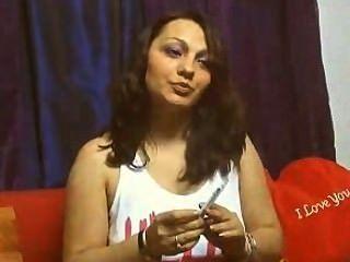 كاميرا ويب فتاة تدخين السجائر 2 في وقت واحد # 4