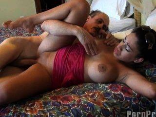 خايمي الحب يحصل مارس الجنس من قبل رجل يبلغ من العمر!
