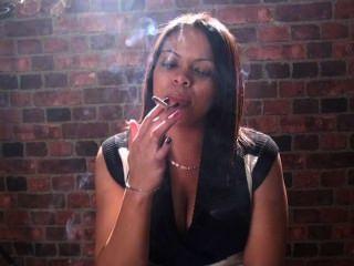 التدخين صنم وتدخين الفتيات فقط الأفضل في وجهك !!