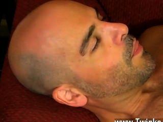 فيلم مثلي الجنس يحصل على فيليب لامتصاص عصاه قبل اختتام شفتيه الخاصة