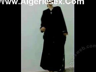 رقص الشريط العراقي في ملابس داخلية مثيرة