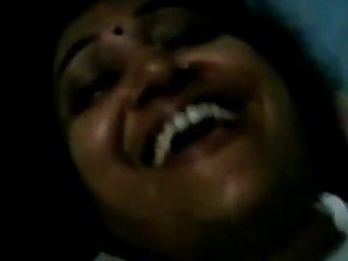 الجبهة البنغالية الهندية مع صبي